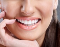 Como clarear os dentes com receitas caseiras