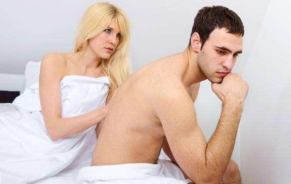 Homens que não escovam os dentes têm maiores chances de passar por problemas de ereção, diz pesquisa