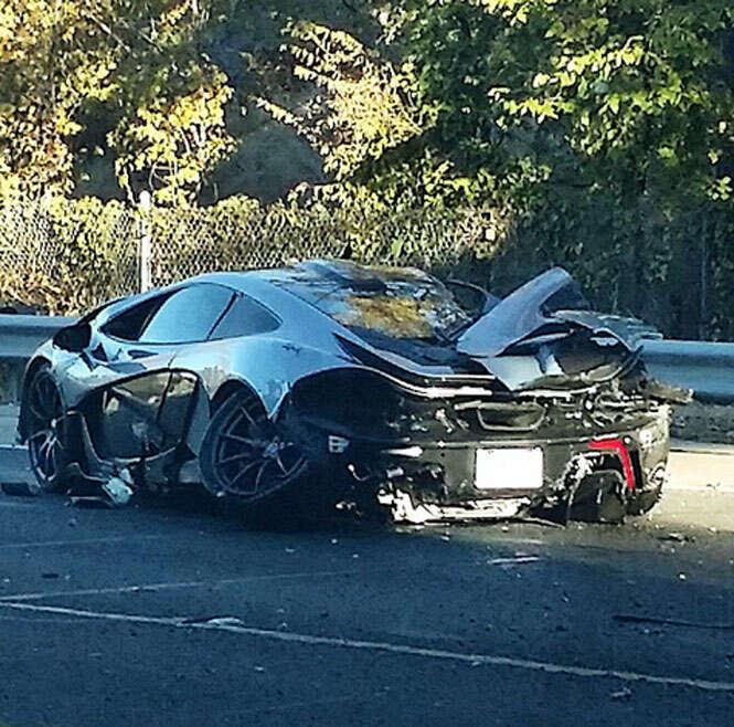 Homem compra McLaren e a destrói em acidente 24 horas depois