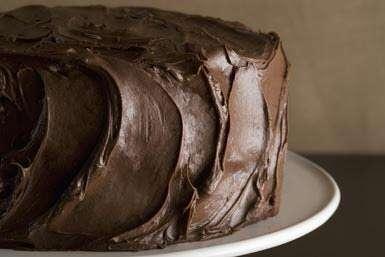 Festa de aniversário é encerrada após convidados passarem mal ao comer bolo de maconha