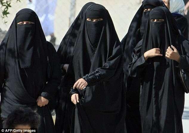 Restaurantes na Arábia Saudita proibe entrada de mulheres solteiras e causa polêmica