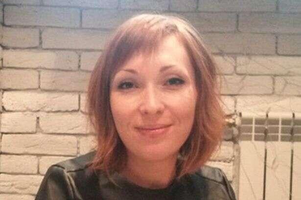 Mulher de 30 anos morre nos braços do marido após passar por detector de metal em aeroporto