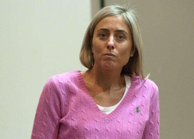 Ex-professora acusada de abuso a menor se defende dizendo que foi forçada pelo garoto