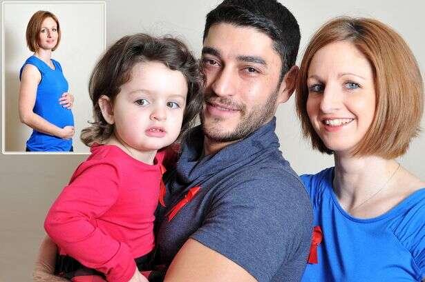 Marido consegue engravidar esposa com AIDS sem se infectar