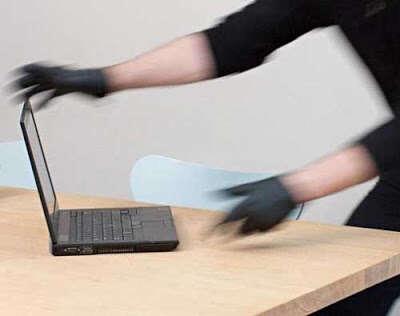Ladrão arrependido é preso depois de ser pego devolvendo laptop roubado