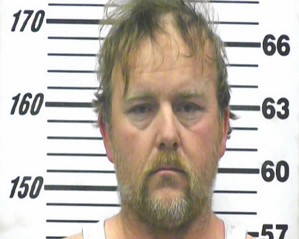 Casal mata filha ao obriga-la a beber 2 litros de refrigerante