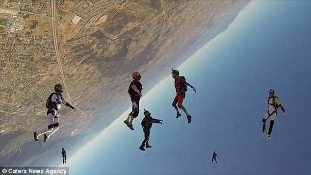 Paraquedistas veem a curvatura da Terra