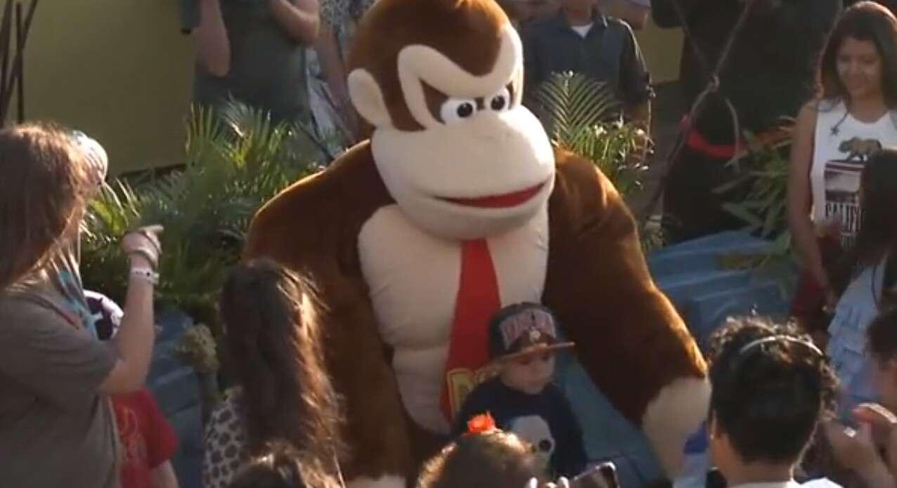 Homem fica com problema de saúde grave depois interpretar Donkey Kong