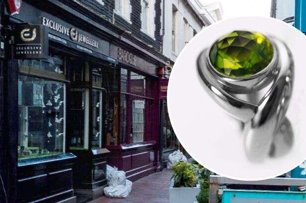 Ladrão engole diamante para não ser pego pela polícia