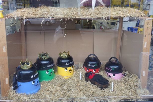 Loja recria nascimento de Cristo com eletrodomésticos