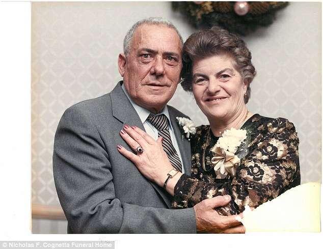 Idosos que passaram quase 70 anos casados morrem em minutos de intervalo um do outro