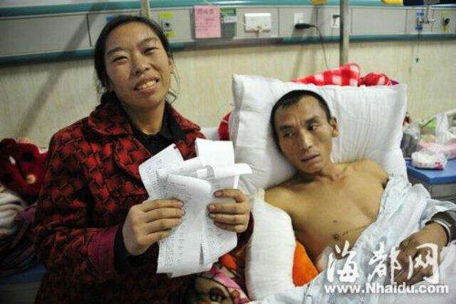Mulher que tentou vender filha para financiar tratamento de marido acidentado recebe R$ 550 mil de doações