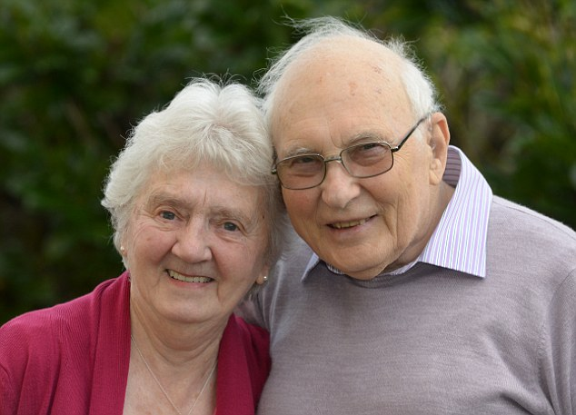 Neville & Barbara Pearce. Photo by Scott Bairstow PD61502