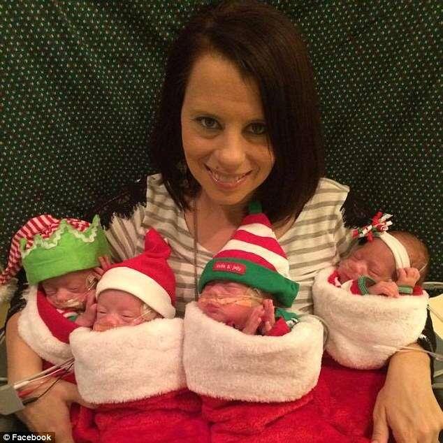 Bebês quadrigêmeos considerados como milagre, se preparam para passar, em hospital, primeiro Natal de suas vidas
