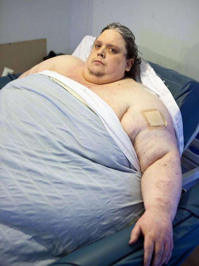 Homem mais gordo do mundo morre aos 44 anos