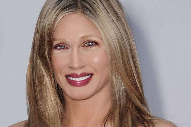 Pesquisa chega ao rosto ideal a partir de características de celebridades