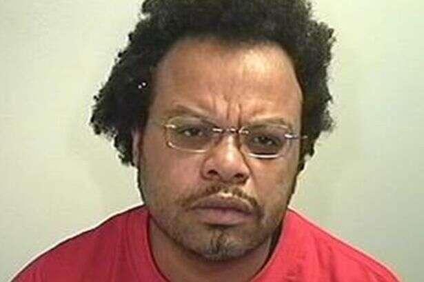 Homem descobre pelo Facebook traição da namorada e mata amante dela o esfaqueado