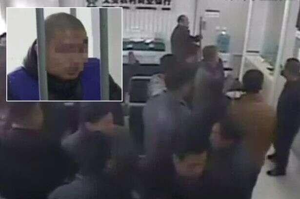 Ladrão invade banco para roubar dinheiro e ao tentar sair encontra multidão para evitar que ele fugisse