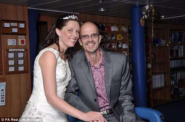 Homem morre nos braços da esposa depois de renunciar tratamento contra tumor no pulmão