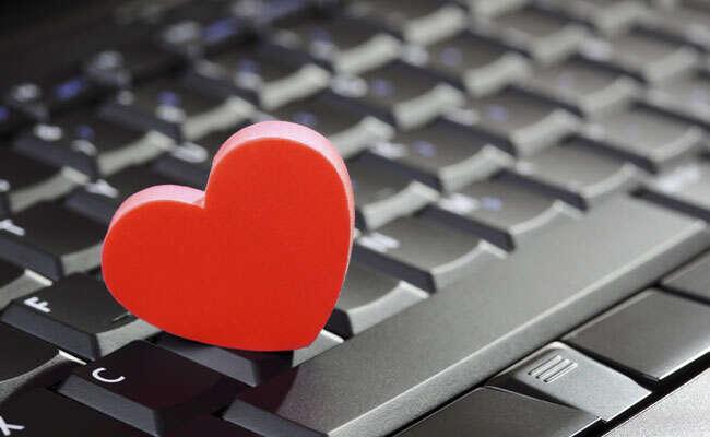 Aplicativo cria namorado que liga e até envia mensagens para usuários, sistema é feito para solteiros