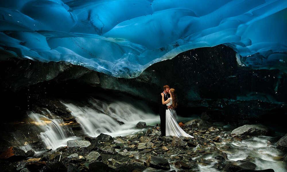 Imagens incríveis de casamento em caverna de gelo