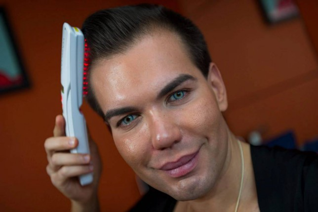 Ken humano gasta 665 mil reais com procedimentos estéticos em busca da perfeição