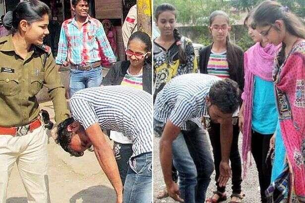 Homem que assediou garotas é chicoteado nas nádegas pelas próprias vítimas