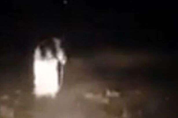 Fantasma é filmado perseguindo veículo