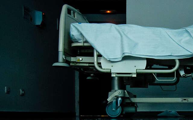 Mulher realiza aborto após filha a obrigar depois de tentar suicídio