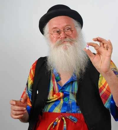 Inventor cria pílulas que deixam cheiro das flatulências mais agradável