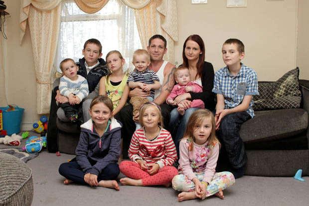 Grávida do 12º filho, ganha 150 mil reais por ano em benefícios do governo