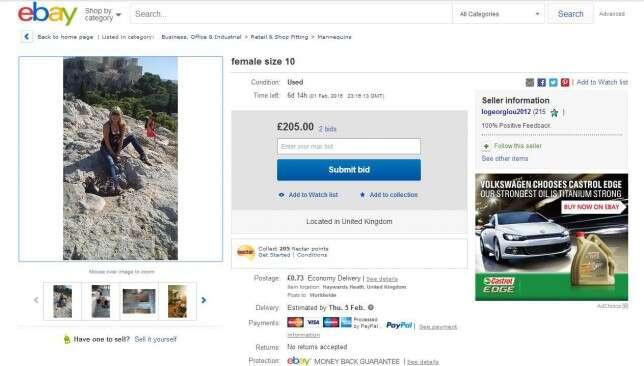 Mãe de dois filhos se coloca a venda na internet