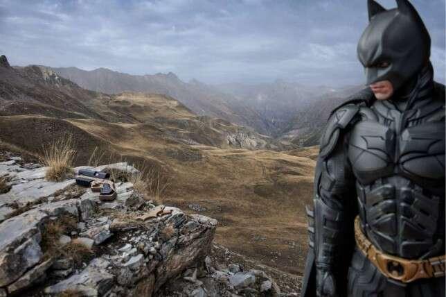 Imagens mostram super-heróis tendo seus momentos de descanso