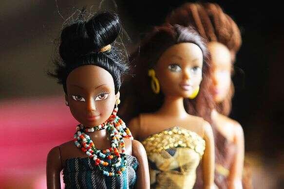 Bonecas negras fazem mais sucesso na África do que a da Barbie