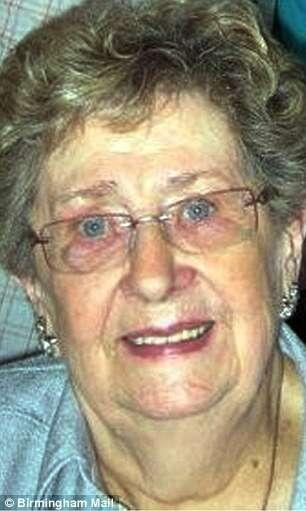Filha descobre antes dos médicos que mãe morreu em hospital