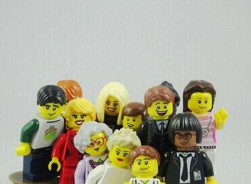 Site usa Lego para ilustrar notícias do dia a dia