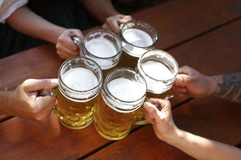 Cerveja reduz riscos de Alzheimer