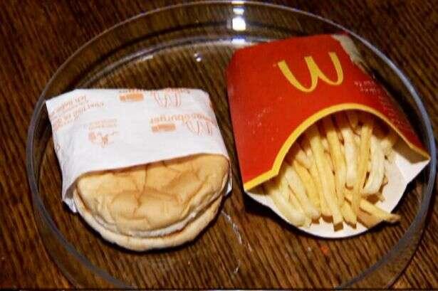 Lanche do McDonald's comprado a seis anos, permanece intacto e conservado