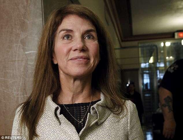Ex-mulher de magnata do petróleo rejeita cheque de 2,6 milhões de reais como acordo de divórcio
