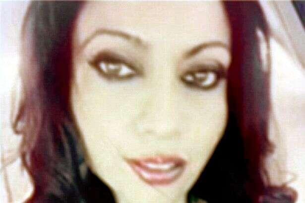 Mãe é presa após ter relações íntimas com garoto de 16 anos