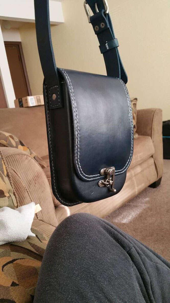 Bolsa de couro criada à mão