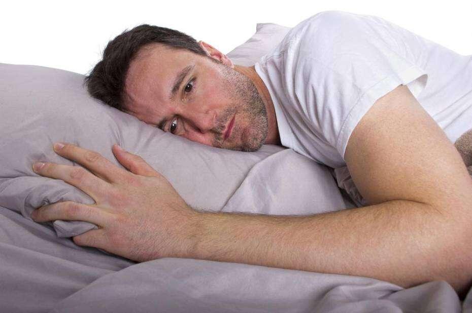 De acordo compesquisa, pessoas que demoram mais que 14 minutos para dormir possuem maiores riscos de pressão alta e problemas cardíacos