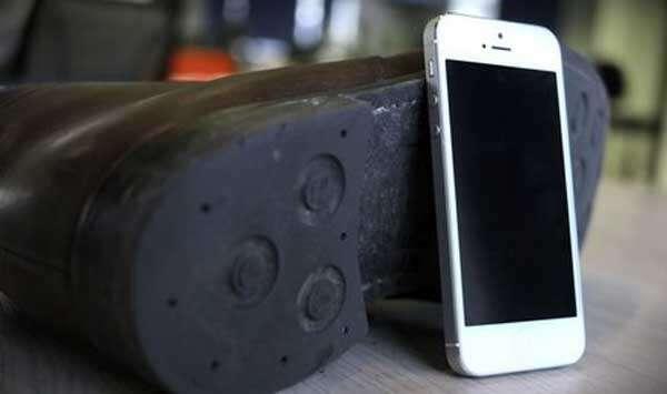 Ladrão é desmascarado após iPhone roubado tocar dentro de seu sapato