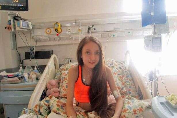 Menina de 14 anos que luta desde o nascimento contra doença, grava vídeo implorando para morrer