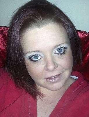 Mulher agride o namorado violentamente depois de ele receber imagem de um pênis