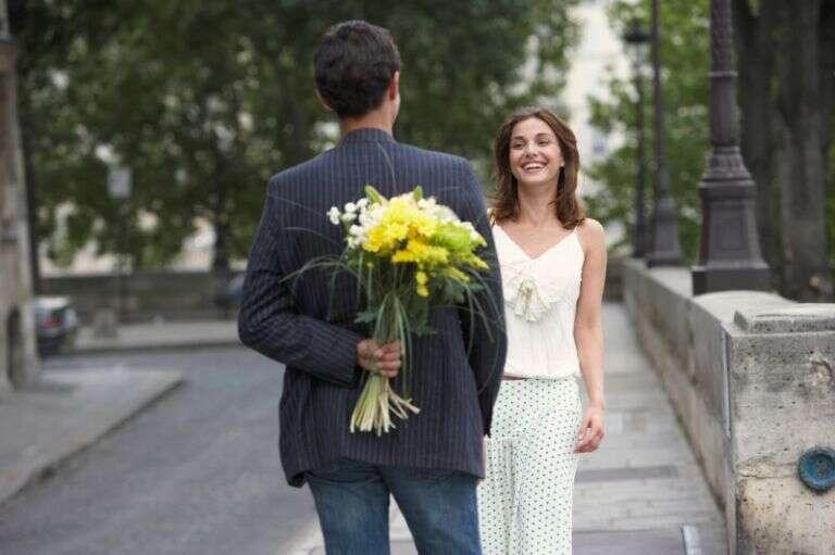 Homens se apaixonam mais do que as mulheres, diz pesquisa