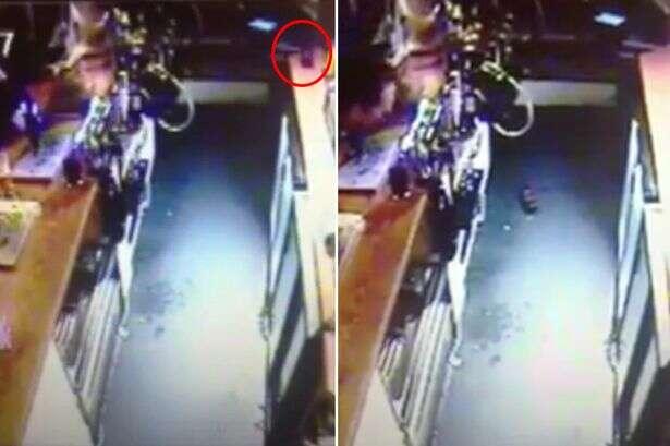 Vídeo registra momento em que garrafa desliza e cai de balcão de bar sem ter ninguém por perto