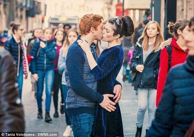 Casal que se apaixonou pelo Facebook descobre que já se conheciam desde a infância