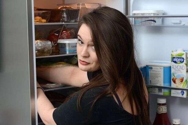 Estudante que começou a engordar repentinamente descobre que sofre de transtorno raro