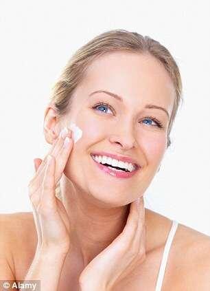 Empresa lança produto diferente para tratar acne que tem maconha na sua composição